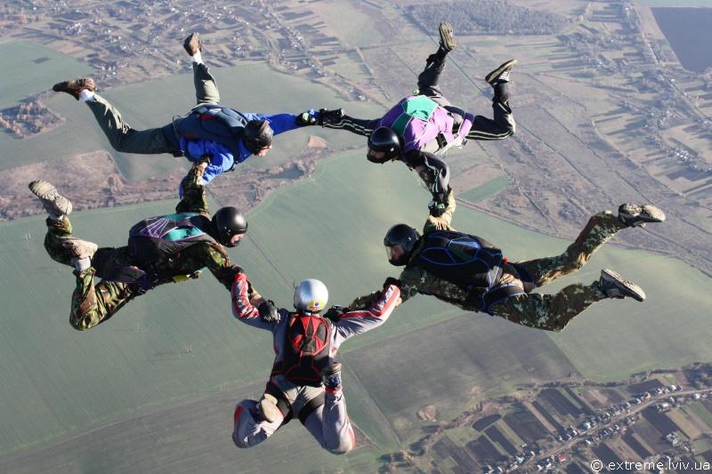 """Результат пошуку зображень за запитом """"стрибки з парашутом"""""""